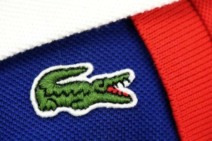 Hình ảnh chú cá sấu trở thành biểu tượng sau này của hãng có căn nguyên từ việc các thành viên của đội tuyển Pháp gọi Lacoste là