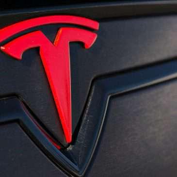 """Logo hình chữ """"T"""" của Tesla có một ý nghĩa khác"""