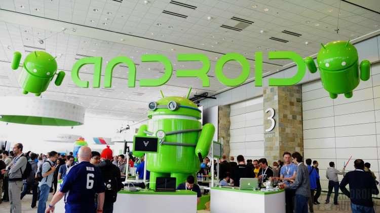 """Logo Android là một chú robot """"lai"""" con bọ màu xanh lá."""