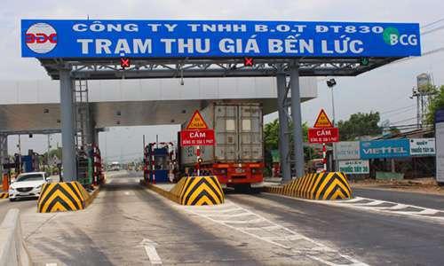 Trạm BOT đường tỉnh 830 ở Long An. Ảnh: Hoàng Nam.