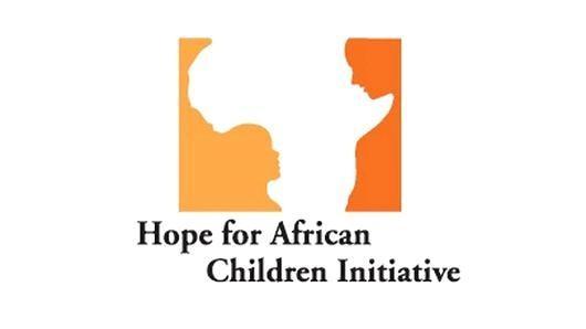 Logo đầy ý nghĩa của sáng kiến hỗ trợ trẻ em Châu Phi với hình ảnh lục địa Phi và không gian âm được đẽo gọt như hình của một đứa trẻ hướng mắt lên nhìn mẹ